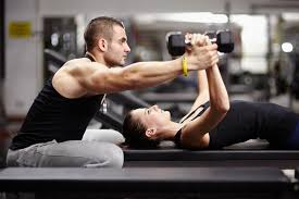 fitness eğitmeni